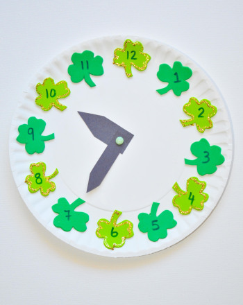 First Grade Math Activities: Clover Clock