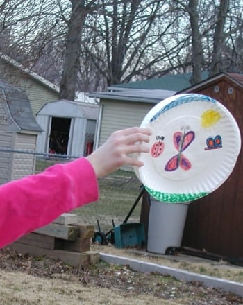 Kindergarten Arts & Crafts Activities: Paper Frisbee