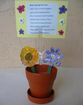 Kindergarten Holidays Activities: Flowerpot Recipe Holder