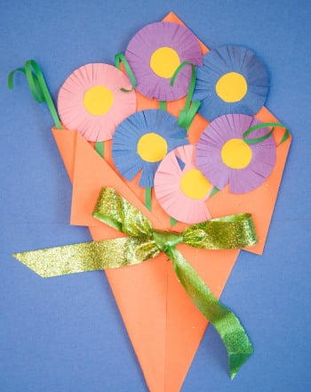 Second Grade Arts & Crafts Activities: Construction Paper Flowers