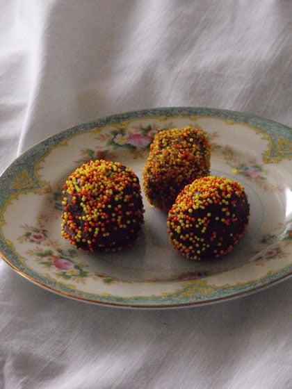 Kindergarten Holidays & Seasons Activities: Chocolate Eggs
