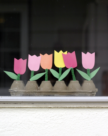 Second Grade Arts & Crafts Activities: Flower Window Box