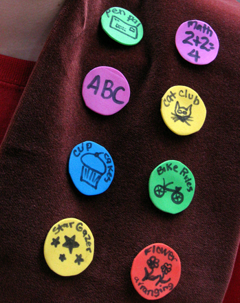 Kindergarten Holidays & Seasons Activities: Make Brag Sashes to Celebrate an Amazing School Year!