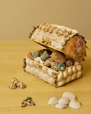 Kindergarten Arts & Crafts Activities: Make a Shell Craft Treasure Box