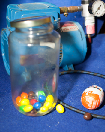 Homemade Vacuum Chamber | Science project | Education com
