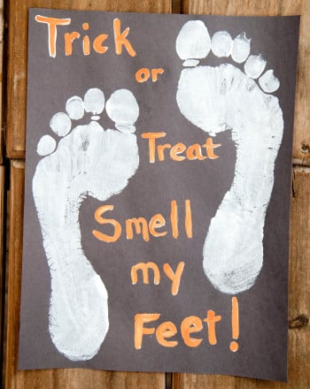 Second Grade Holidays & Seasons Activities: Trick or Treat? Smell My Feet!