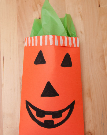 Fifth Grade Arts & crafts Activities: Halloween Gift Bags