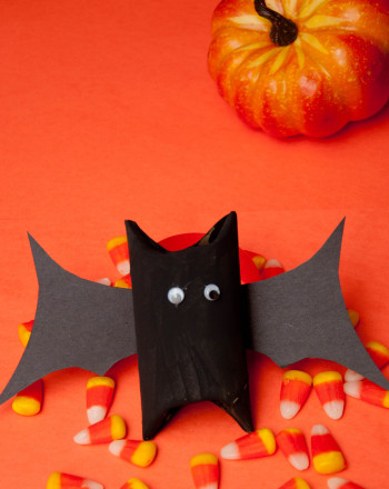 Third Grade Holidays Activities: Black Bat Treat Keeper