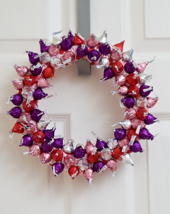 Fourth Grade Holidays Activities: Valentine Wreath