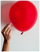 Science fair project which uses a camera to observe the surface of a balloon in the moment of its explosion.