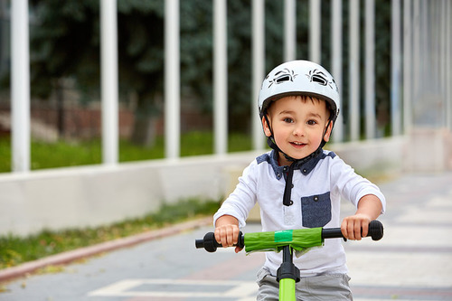 Kindergarten Arts & crafts Activities: Tricycle License Plates