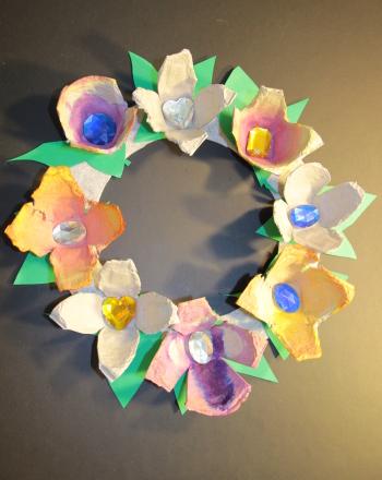 First Grade Arts & crafts Activities: Egg Carton Flower Wreath
