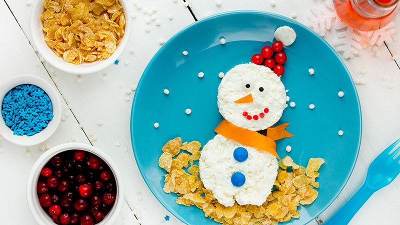 Healthy snowman breakfast