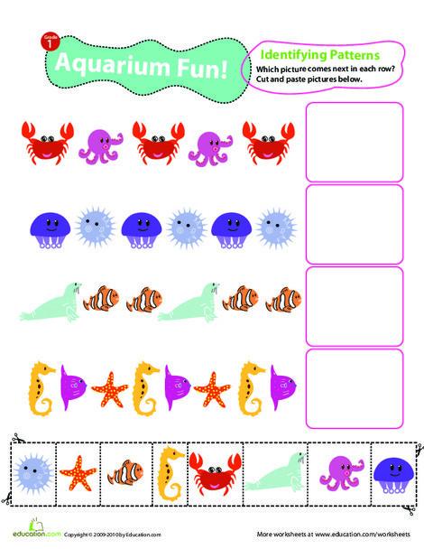 First Grade Math Worksheets: Identifying Patterns: Aquarium Fun!